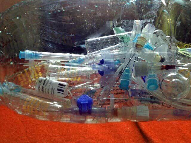 Wenn-künstliche-Befruchtung-nicht-klappt-Tüte-mit-Spritzen IVF