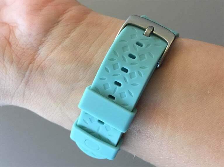 Ava Armband 1.2 Verschluss am Handgelenk